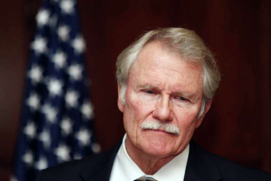 DON RYAN : ASSOCIATED PRESS NO MORE: Oregon Gov. John Kitzhaber announces in Salem, Ore., Tuesday that the execution of twice-convicted killer Gary Haugen will not go on as scheduled next month. Photo: Don Ryan / AP