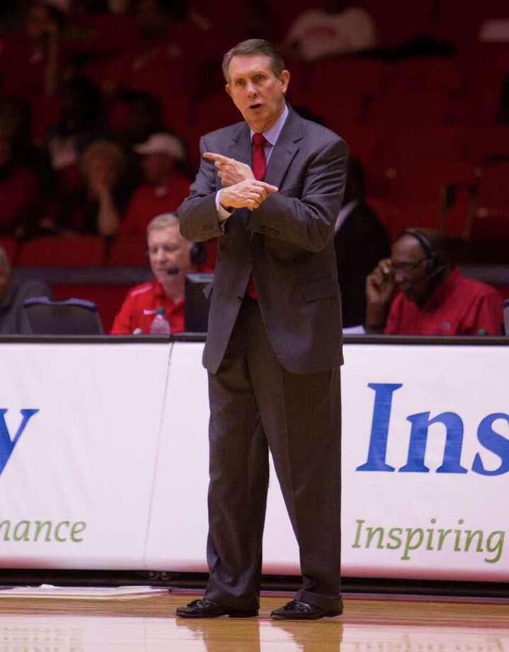 UH head coach James Dickey hopes his team learns a lesson from this loss. Photo: Bob Levey / ©2011 Bob Levey