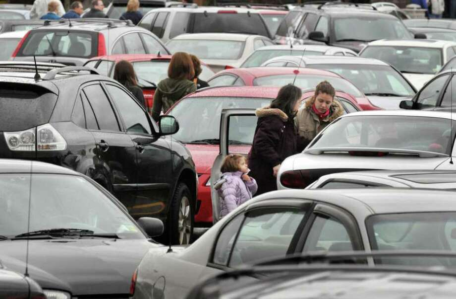 Continue browsing this slideshow to see more historical holiday shopping photos from our archive. 