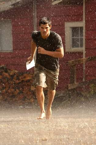 TAYLOR LAUTNER stars in THE TWILIGHT SAGA: BREAKING DAWN - PART 1 Photo: Andrew Cooper, Summit Entertainment