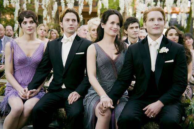 (L-R) ASHLEY GREENE< JACKSON RATHBONE, ELIZABETH REASER and PETER FACINELLI star in THE TWILIGHT SAGA: BREAKING DAWN-PART 1. Photo: Andrew Cooper, Summit Entertainment