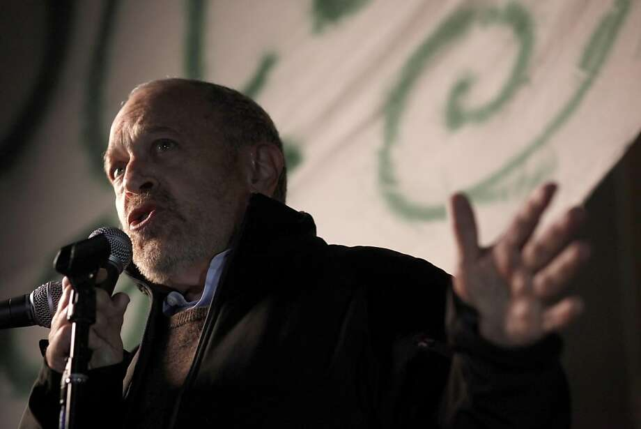 Professor Robert Reich speaks to the hundreds from Occupy Cal and Occupy Oakland, on Tuesday November 15, 2011 in Berkeley, Ca., gathered for a general assembly and rally this evening, in front of Sproul Hall on the  UC Berkeley campus. Photo: Michael Macor, The Chronicle