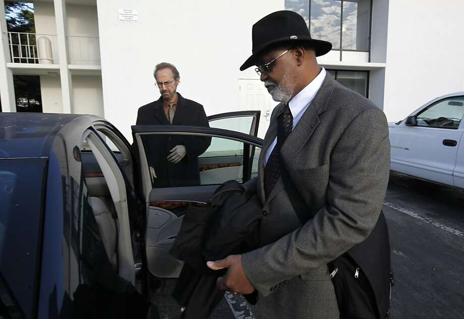 With his lawyer, Paul Harris close by, (left) Ronald Bridgeforth prepares to drive to the court building to surrender himself on a 42 year old arrest warrant on Thursday November 10, 2011 in San Mateo County Court in Redwood City, Ca. Bridgeforth, under charges of assault with a deadly weapon on a San Francisco police officer 42 years ago, jumped bail and fled, has now returned to face the charges against him. Ran on: 11-11-2011 With lawyer Paul Harris (left), Ronald Bridgeforth gets ready for the trip to the courthouse. Ran on: 11-11-2011 With lawyer Paul Harris (left), Ronald Bridgeforth gets ready for the trip to the courthouse. Ran on: 11-11-2011 With lawyer Paul Harris (left), Ronald Bridgeforth gets ready for the trip to the courthouse. Ran on: 11-11-2011 With lawyer Paul Harris (left), Ronald Bridgeforth gets ready for the trip to the courthouse. Photo: Michael Macor, The Chronicle