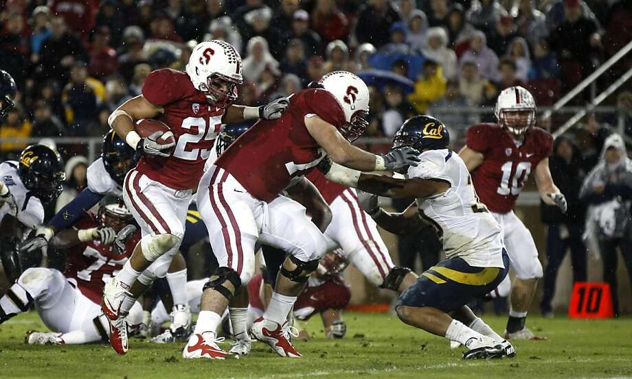 Stanford Cardinal Tyler Gaffney (25) takes an Andrew Luck handoff into the end zone for a touchdown in the second quarter against the California Bears at Stanford Stadium on November 19, 2011 in Stanford, California. Photo: Lance Iversen, The Chronicle