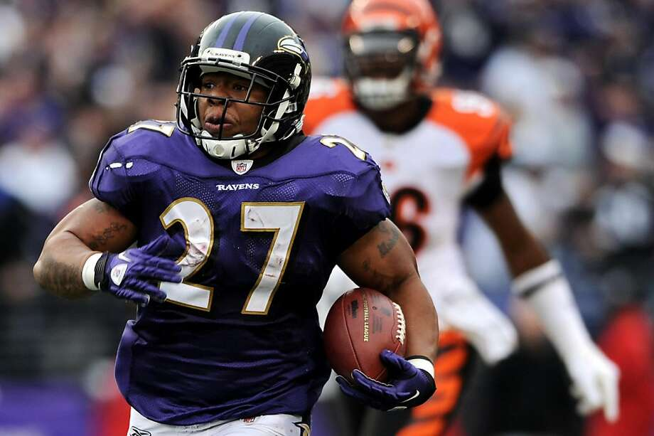 BALTIMORE, MD - NOVEMBER 20: Running back Ray Rice #27 of the Baltimore Ravens runs for a long gain against the Cincinnati Bengals in the third quarter at M&T Bank Stadium on November 20, 2011 in Baltimore, Maryland. The Ravens won, 31-24. (Photo by Patrick Smith/Getty Images) Photo: Patrick Smith, Getty Images