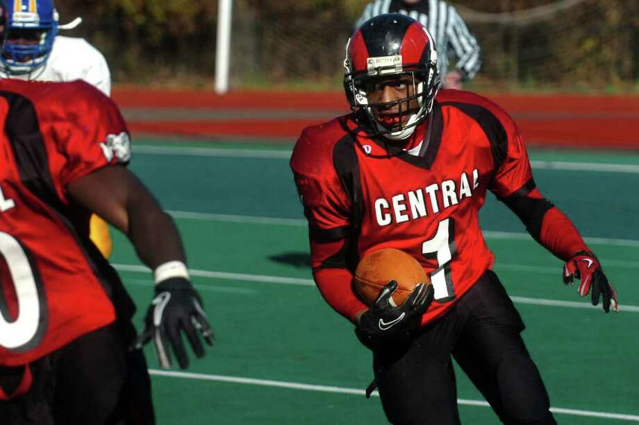 Central's Keyshaun thomas runs the ball during Harding vs. Central high school football action at Kennedy Stadium, Central High School, in Bridgeport, Conn. on Thanksgiving, Nov. 24th, 2011. Photo: Ned Gerard / Connecticut Post