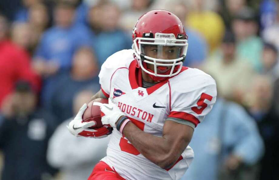 Charles Sims was an first-team all-conference pick in Conference USA in 2011 and second team in 2012. Photo: Nick De La Torre, Houston Chronicle / © 2011  Houston Chronicle