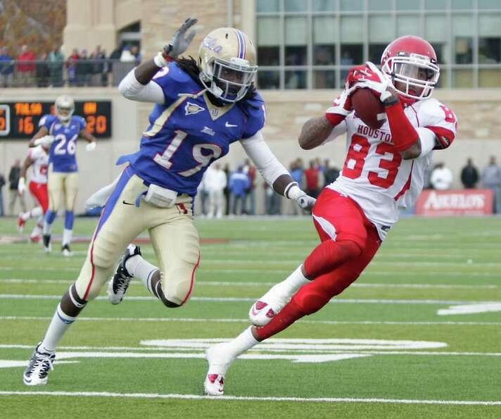 University of Tulsa defensive back Milton Howell (19) can't keep up with University of Houston wide