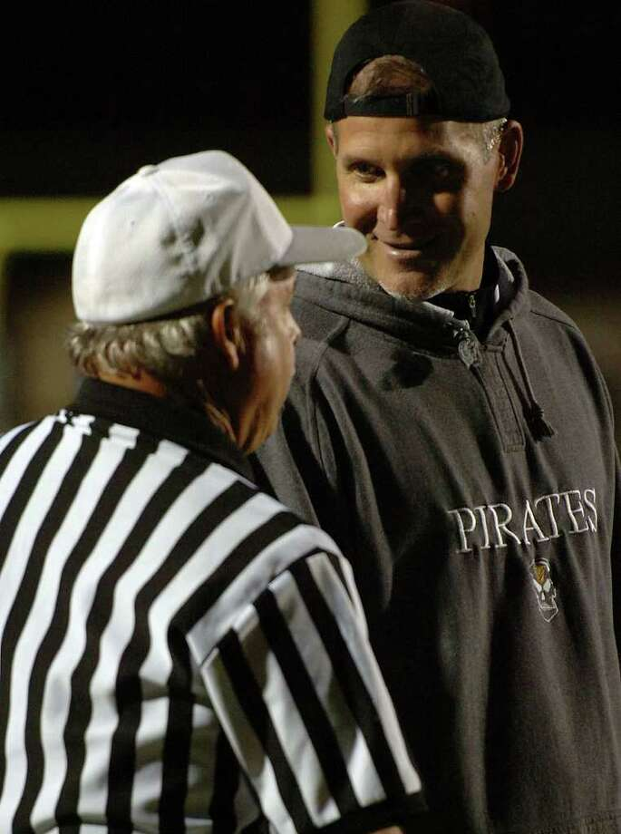 Vidor's Jeff Mathews talks to an official during the Pirate's match up with the Wildcats at Galena Park Stadium Friday night.  Photo: Guiseppe Barranco, Guiseppe Barranco/The Enterprise / The Beaumont Enterprise