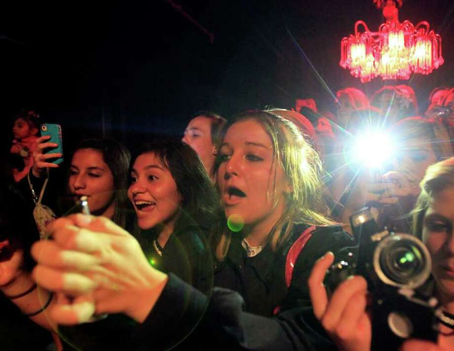 Fans scream as teenage Internet sensation Austin Mahone performs. Photo: Johnny Hanson, Houston Chronicle / © 2011 Houston Chronicle