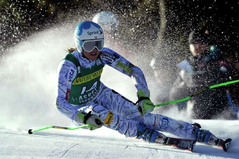 FRANCIS BOMPARD: AGENCE ZOOM/GETTY IMAGES ON THE EDGE: Julia Mancuso of the United States leans into a turn en route to finishing third in the World Cup giant slalom race Saturday at Aspen, Colo. Photo: Francis Bompard/Agence Zoom / 2011 Getty Images