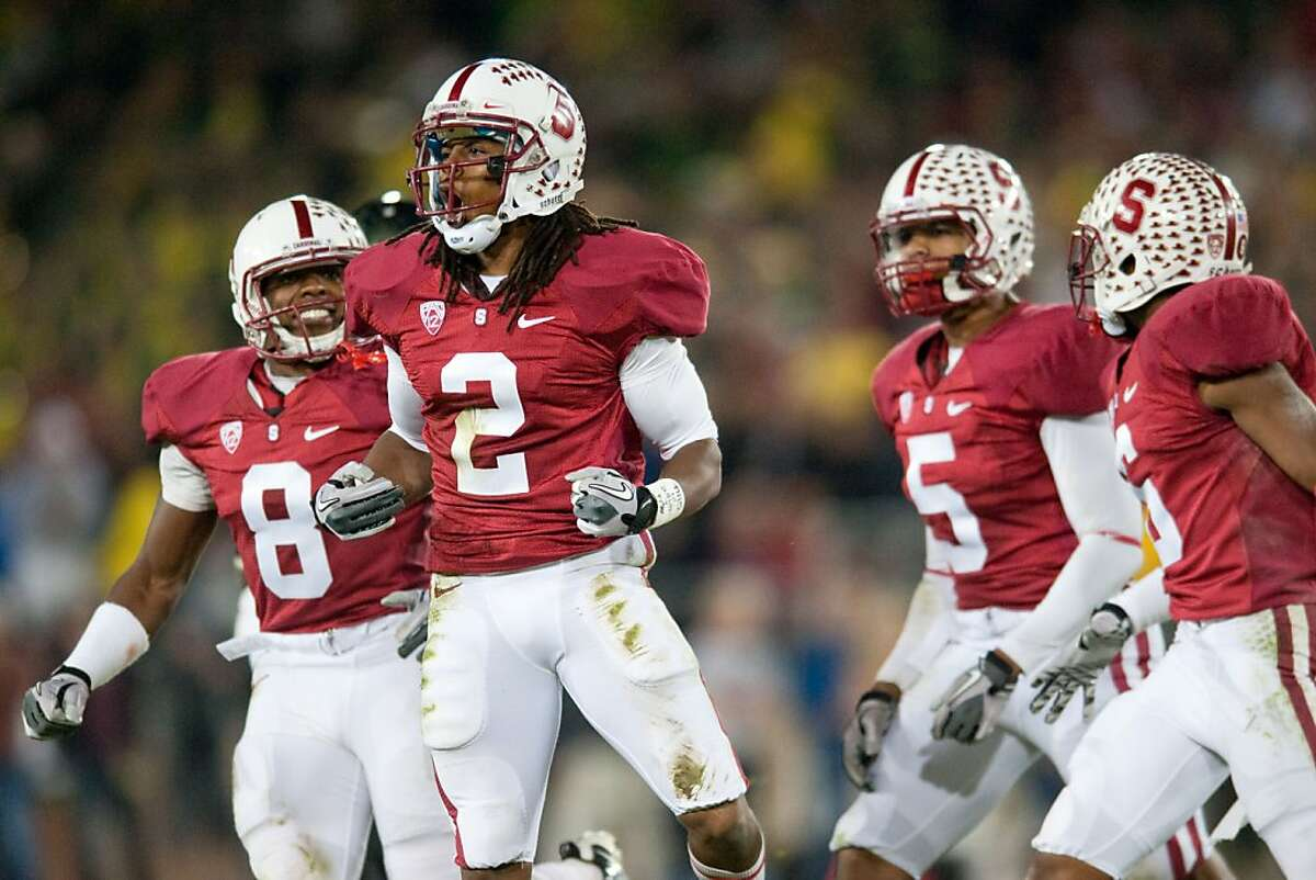 STANFORD, CA - NOVEMBER 12: Stanford's Corey Gatewood reacts to a defensive stop during the Cardinal's loss against Oregon. STANFORD, CA - NOVEMBER 12: Stanford suffers a defeat against the University of Oregon at Stanford Stadium.
