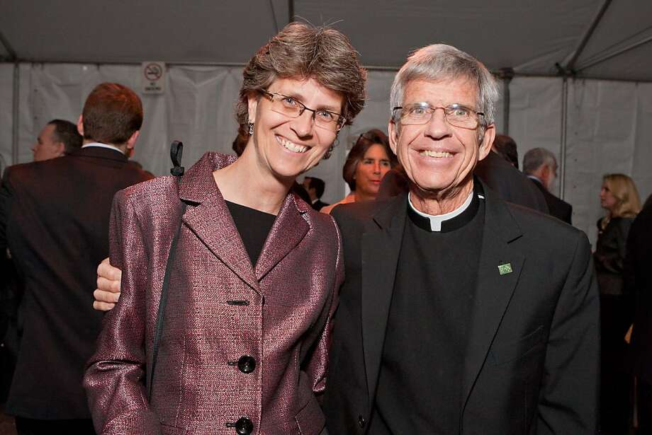 Shari Roeseler with USF President Father Stephen Privett at the annual California Prize for Service and the Common Good dinner honoring Daniel Lurie on Nov. 1 at USF in San Francisco. Photo: Claudine Gossett, Drew Altizer Photography