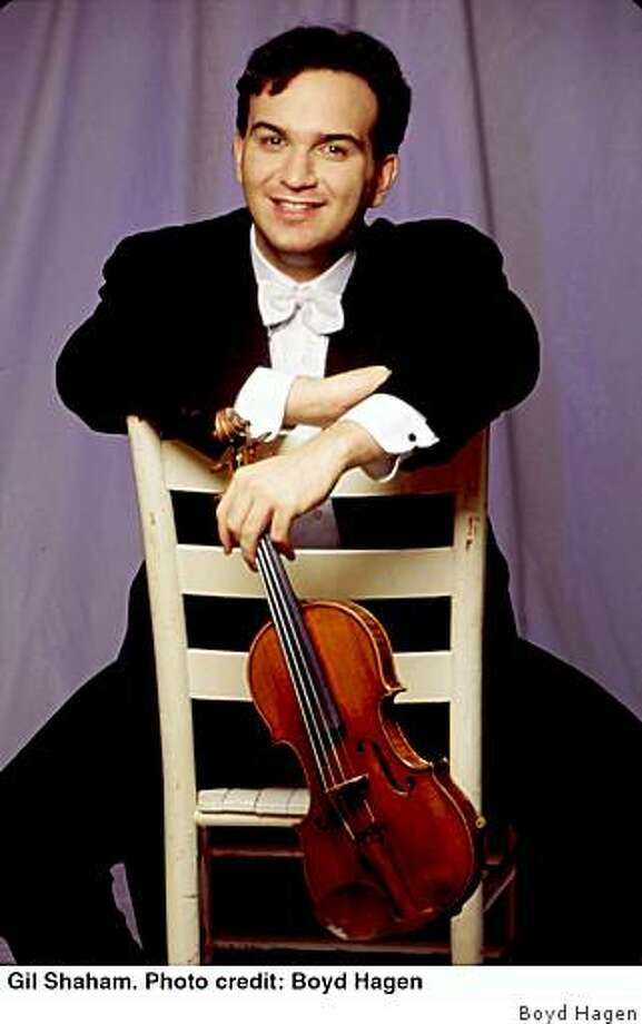 Violinist Gil Shaham Photo: Boyd Hagen
