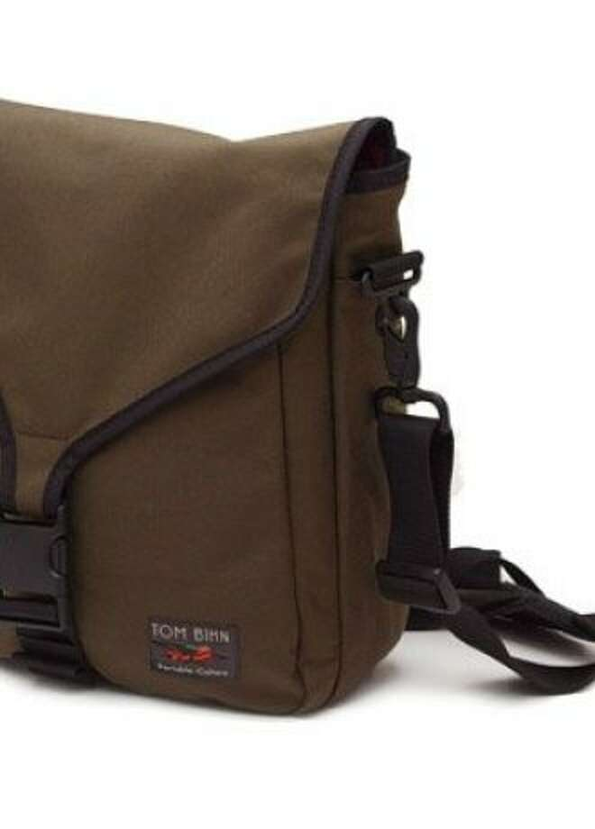 Tom Bihn Ristretto for iPad features a built-in padded compartment for an iPad.  Photo: Tombihn.com