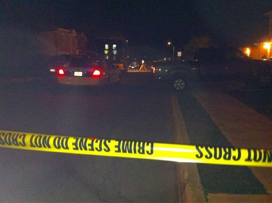A man was fatally shot on the street in the 6000 blk of Donley Place around 11:45 p.m. Photo: Jessica Kwong/Express-News