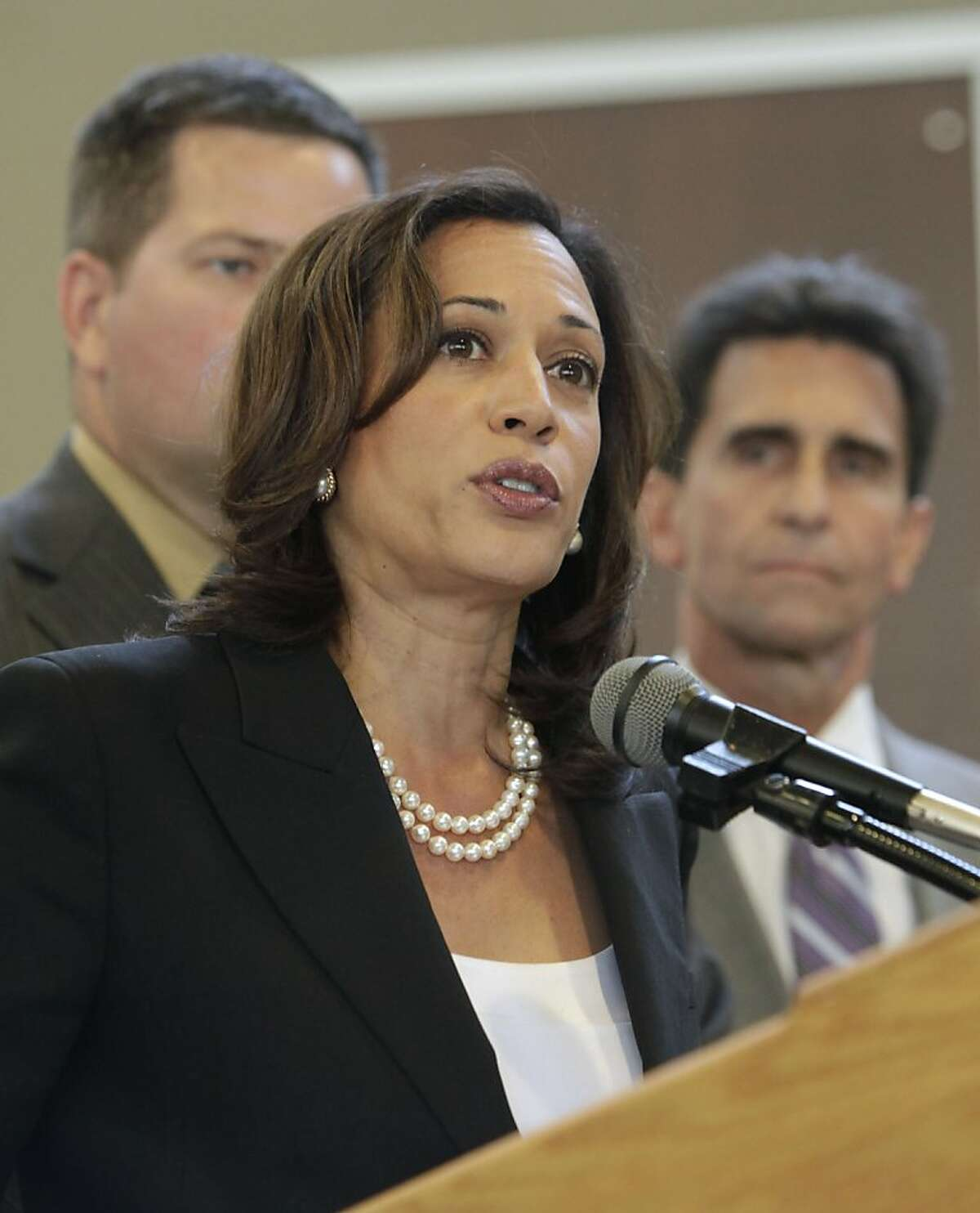 In this photo taken June 16, 2011, is California Attorney General Kamala Harris, announced, Friday, Sept., 30, 2011, that she will not agree to a settlement over foreclosure abuses being negotiated with major U.S. banks by other state and federal attorneys general. Harris's announcement is the latest to undermine a settlement had been in the works between the banks and the attorney generals in all 50 states. The agreement was supposed to settle claims of poor mortgage and foreclosure practices, including document fraud..(AP Photo/Rich Pedroncelli) Ran on: 10-01-2011 Attorney General Kamala Harris says the state will not accept terms that would grant immunity to the lenders.