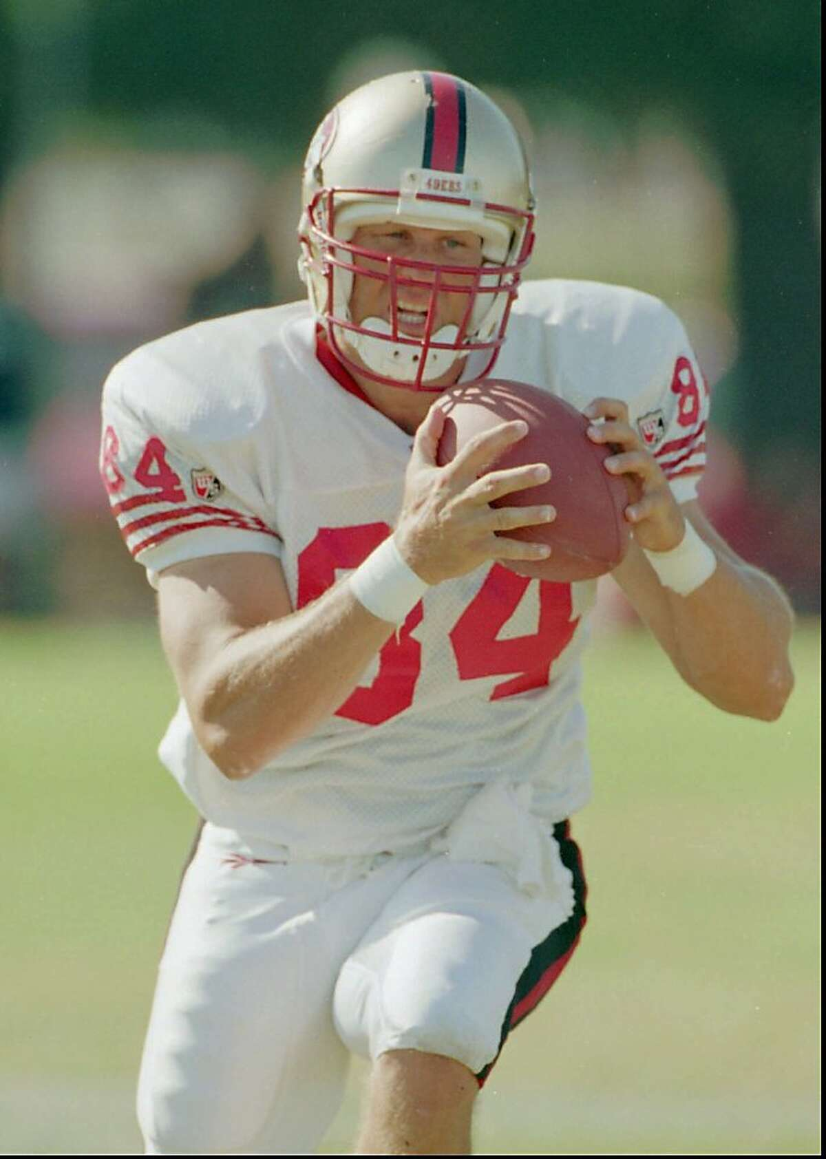 San Francisco 49ers tight end Brent Jones pulls in a pass during workouts at Sierra College in Rocklin, Calif., Tuesday, Aug. 5, 1997. (AP Photo/Bob Galbraith) Ran on: 09-30-2011 Former 49ers tight end Brent Jones pushed Ertz hard at Monte Vista High in Danville. Ran on: 09-30-2011 Former 49ers tight end Brent Jones pushed Ertz hard at Monte Vista High in Danville.