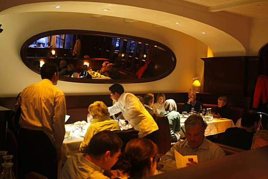 POGGIO: The evening dining room at Poggio Trattoria in Sausalito. Photo: Craig Lee, The Chronicle
