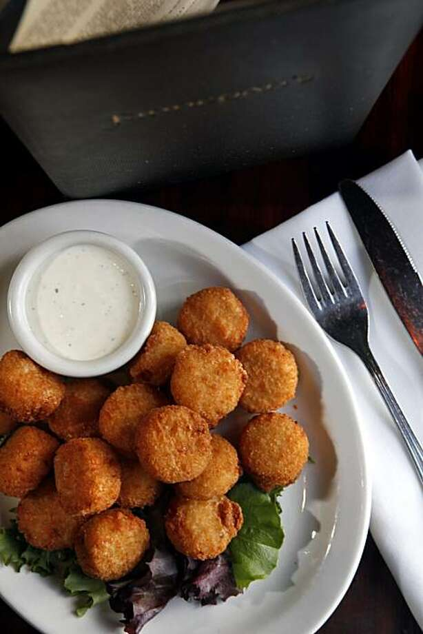 The Irish Poppers served at Finnegan's Marin in Novato. Finnegan's is a classic Irish Pub that caters to families in the day and grown-ups in the evening. Photo: Carlos Avila Gonzalez, The Chronicle
