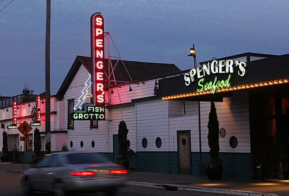 The sign in front of Spenger's Fish Grotto illuminates 4th Street on Friday Dec. 4, 2009 in Berkeley, Calif. Photo: Mike Kepka, The Chronicle