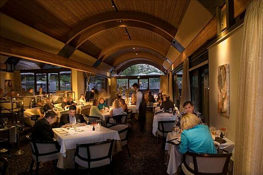 The dining room at étoile is often referred to as a romantic destination. Photo: John A. Benson