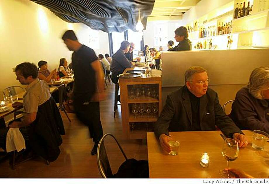 People enjoy themselves at dinner at the new Wexlers Restaurant,  Thursday June 11, 2009, in San Francisco, Calif. Photo: Lacy Atkins, The Chronicle