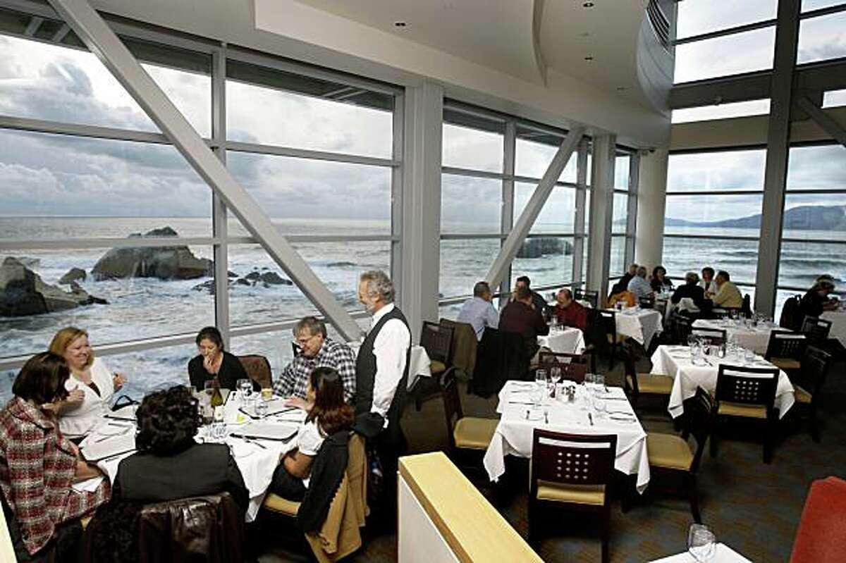 The dining room at Sutro's restaurant at the Cliff House, in San Francisco, Calif., on March 4, 2009.
