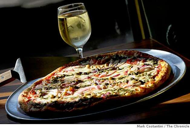 Special Pizza at Giovanni's in San Francisco, Calif. on Monday, October 21, 2008 Photo: Mark Costantini, The Chronicle
