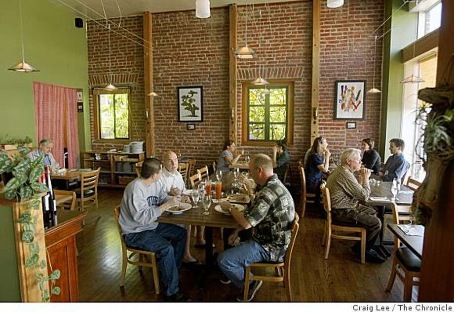 Anchalee Thai Cuisine restaurant in Berkeley, Calif., on September 24, 2008. Photo: Craig Lee, The Chronicle