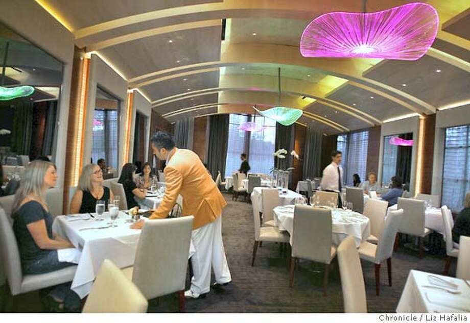 WHATS29_024_LH_.JPG The dining room at the Plumed Horse in the South Bay, redesigned by the same team that did Fleur de Lys and La Folie. Liz Hafalia/The Chronicle/Saratoga/8/23/07  ** cq Ran on: 12-30-2007  The Plumed Horse in the South Bay was redesigned by the team that did Fleur de Lys and La Folie. Photo: Liz Hafalia