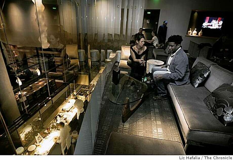 Lounge overlooking sushi bar and restaurant at Yoshi's in San Francisco's Fillmore St..Liz Hafalia/The Chronicle/San Francisco/12/1/07** cqRan on: 12-05-2007Visitors enjoy the upper lounge at Yoshi's San Francisco, a club and restaurant. Photo: Liz Hafalia, The Chronicle