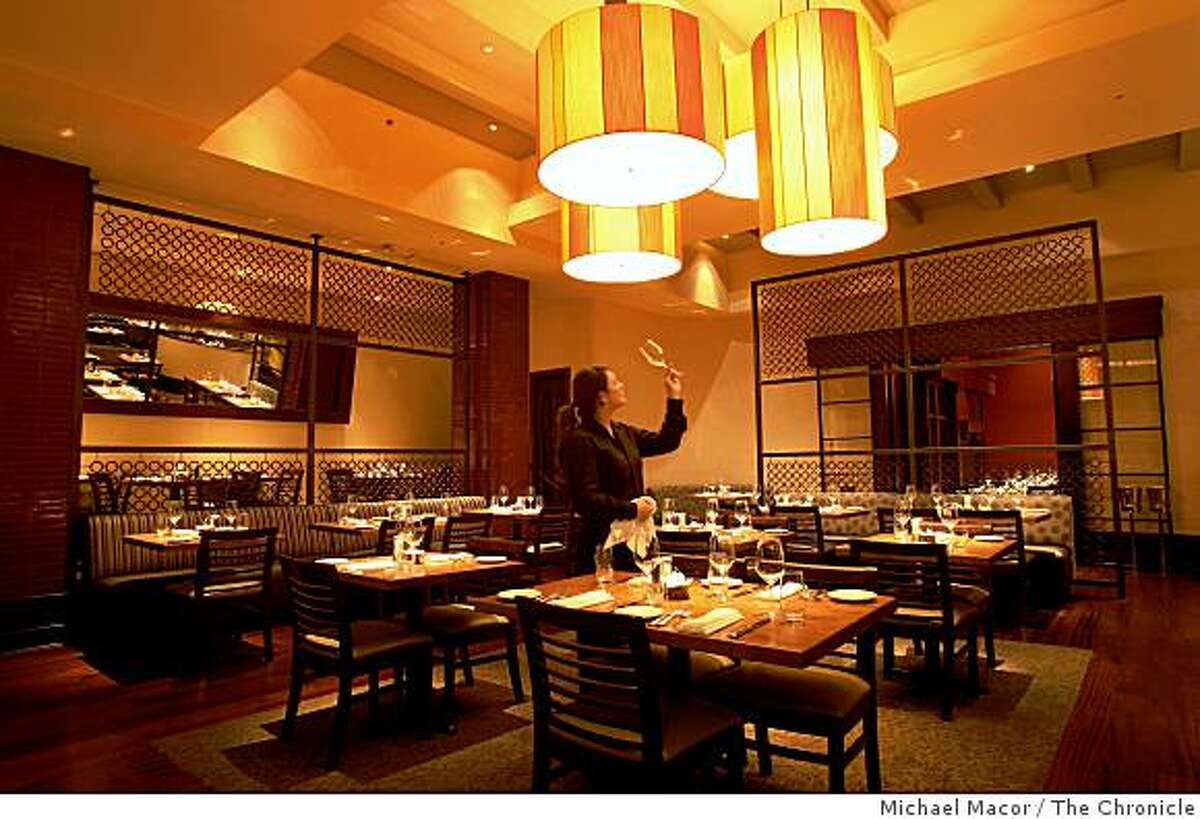 """""""Zinnia"""" is a new restaurant at 500 Jackson Street in San Francisco, Calif., interior views of the dining room on Tuesday Dec. 23, 2008."""