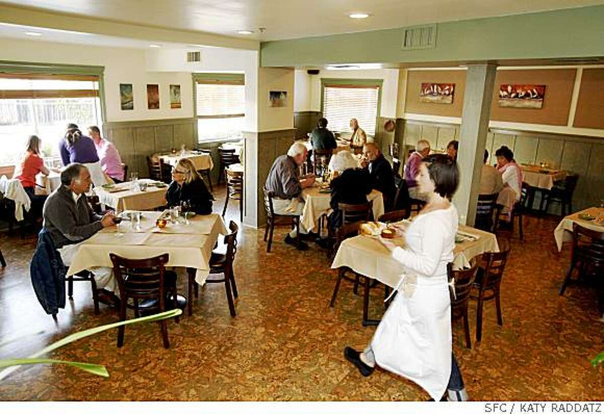 The dining room at the Cottage Eatery in Tiburon, Calif. on Thursday May 08, 2008.Katy Raddatz / The San Francisco Chronicle