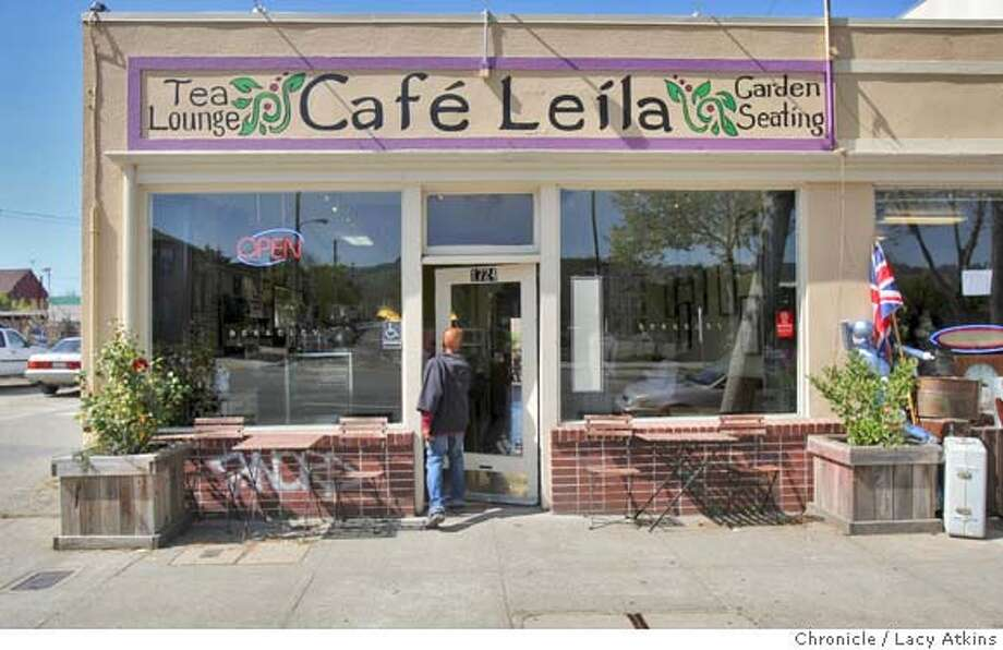Cafe Leila alond San Pablo Ave, draws crowds throughout the day, Thursday March 20, 2008, in Berkeley, Calif. Photo by Lacy Atkins / San Francisco Chronicle Photo: Lacy Atkins