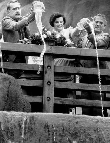 Dianne Feinstein and others participate in a ceremony at the rededication of Huntington Falls.  Photo taken June 12, 1984. Photo: Michael Maloney, The Chronicle