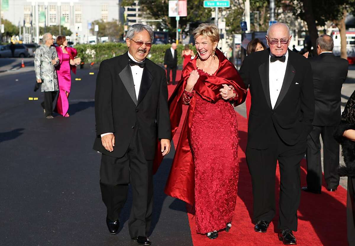 Mayor Ed Lee (left) walks to dinner with Bob Foley and Kathleen Sullivan Alioto during the San Francisco Symphony Opening Night Gala in San Francisco, Calif., on Wednesday, September 7, 2011.