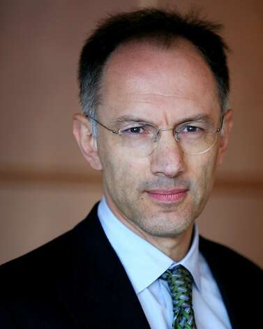 Michael Moritz is a venture capitalist at Sequoia Capital focusing on software and services investments. Prior to joining Sequoia Capital in 1986, he worked in a variety of positions at Time Warner and was a Founder of Technologic Partners. Michael Moritz is a venture capitalist at Sequoia Capital focusing on software and services investments. Prior to joining Sequoia Capital in 1986, he worked in a variety of positions at Time Warner and was a Founder of Technologic Partners. handout photo courtesy sequoia partners Ran on: 12-22-2008 Mike Moritz,  a partner in Sequoia Capital, still finds a few companies to invest in. Ran on: 12-22-2008 The cracked fuselage of a Continental jet at Denver's airport Photo: Sequoia Partners