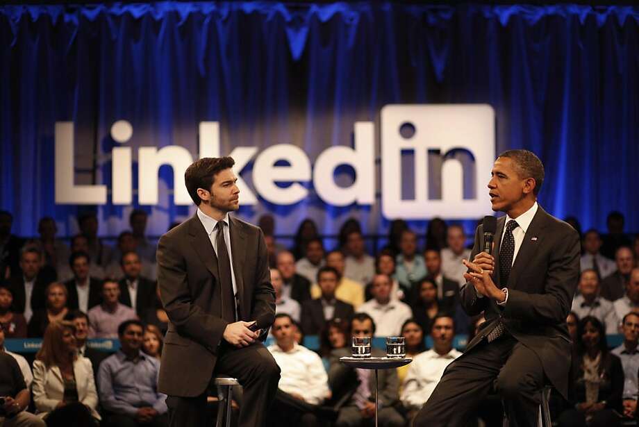 "President Obama talks with Jeff Weiner, LinkedIn CEO, during the ""Putting America Back to Work"" LinkedIn Town Hall at the Computer History Museum in Mountain View, Calif., on Monday, September 26, 2011. Photo: Lea Suzuki, The Chronicle"