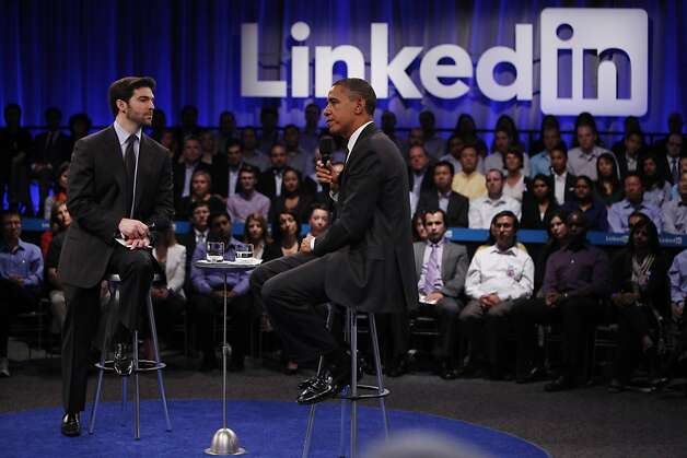 "President Obama (right) answers a question during the ""Putting America Back to Work"" LinkedIn Town Hall while sitting with Jeff Weiner (left), LinkedIn CEO,  at the Computer History Museum in Mountain View, Calif., on Monday, September 26, 2011. Photo: Lea Suzuki, The Chronicle"