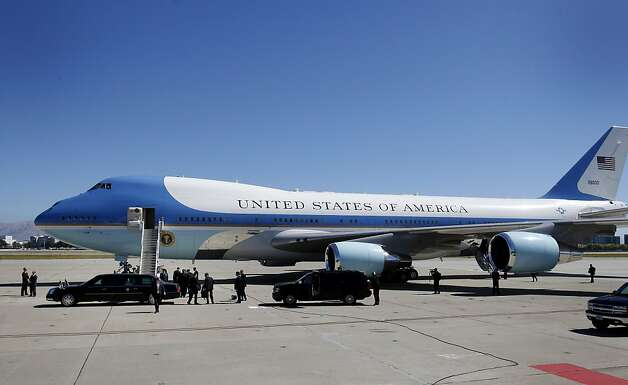 The President arrived back at Air Force One under sunny skies. President Barack Obama departed Moffett Field in Mountain View, Calif. Monday September 26, 2011 after a brief visit to the Bay Area. Photo: Brant Ward, The Chronicle