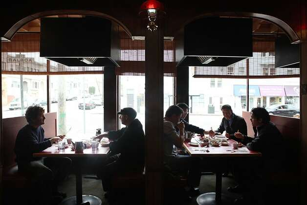 Diners during the lunch hour at Han II Kwan, 1802 Balboa St. in San Francisco, California, on Monday, September 19, 2011. Photo: Liz Hafalia, The Chronicle