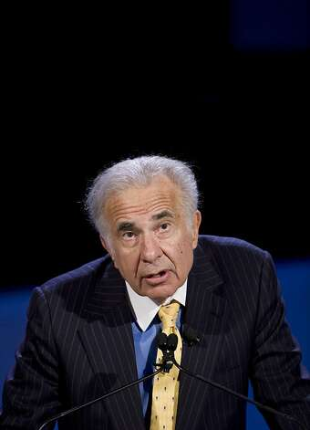 **FILE** In this Oct. 11, 2007 file photo, private equity investor Carl Icahn speaks at the World Business Forum in New York. Activist investor Carl Icahn wants Yahoo to tell Microsoft it's willing to be sold for $49.5 billion, about $2 billion above the Microsoft's last offer, Friday, June 6, 2008, for the Internet pioneer. (AP Photo/Mark Lennihan, file) Ran on: 06-07-2008 Carl Icahn is determined to persuade or force Yahoo to yield to a takeover bid by Microsoft. Photo: Mark Lennihan, AP