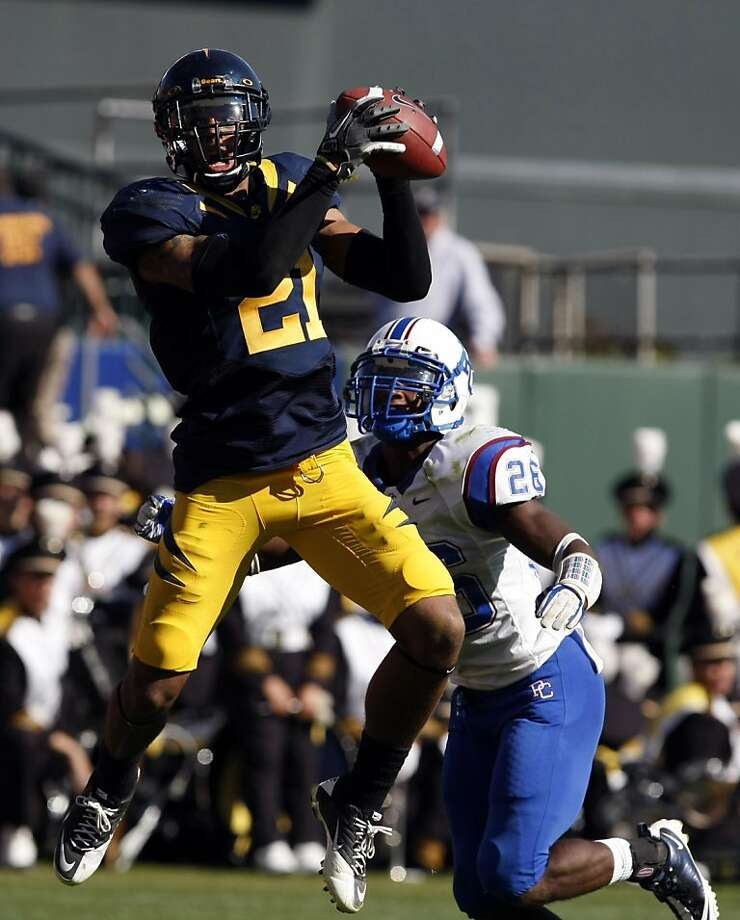 University of California Keenan Allen catches a Zach Maynard touchdown pass in the second quarter against the Presbyterian Blue Hose Saturday September 17, 2011 at AT&T Park in San Francisco California.  Ran on: 09-18-2011 Keenan Allen scores Cal's sixth first-half touchdown. Photo: Lance Iversen, The Chronicle