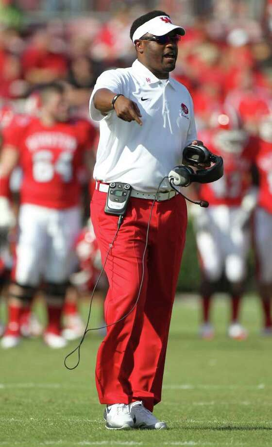 UH needs to prove its worth to get Kevin Sumlin to stick around a little longer, Jerome Solomon writes. Photo: Nick De La Torre / © 2011  Houston Chronicle