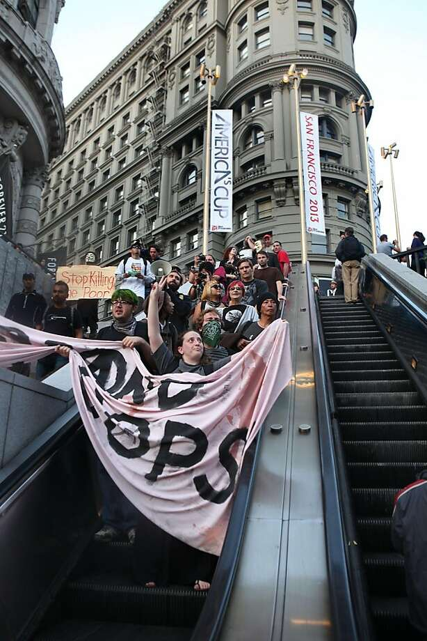 Bart protesters at Powell Street station in San Francisco, Calif., on Monday, September 12, 2011. Photo: Liz Hafalia, The Chronicle