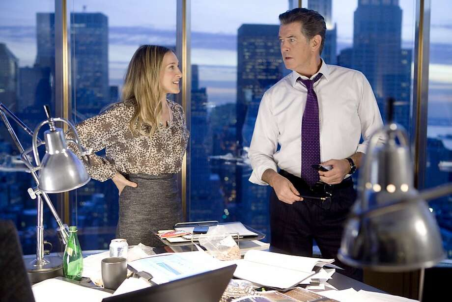 SARAH JESSICA PARKER and PIERCE BROSNAN star in I DON'T KNOW HOW SHE DOES IT. Photo: Craig Blankenhorn, The Weinstein Company
