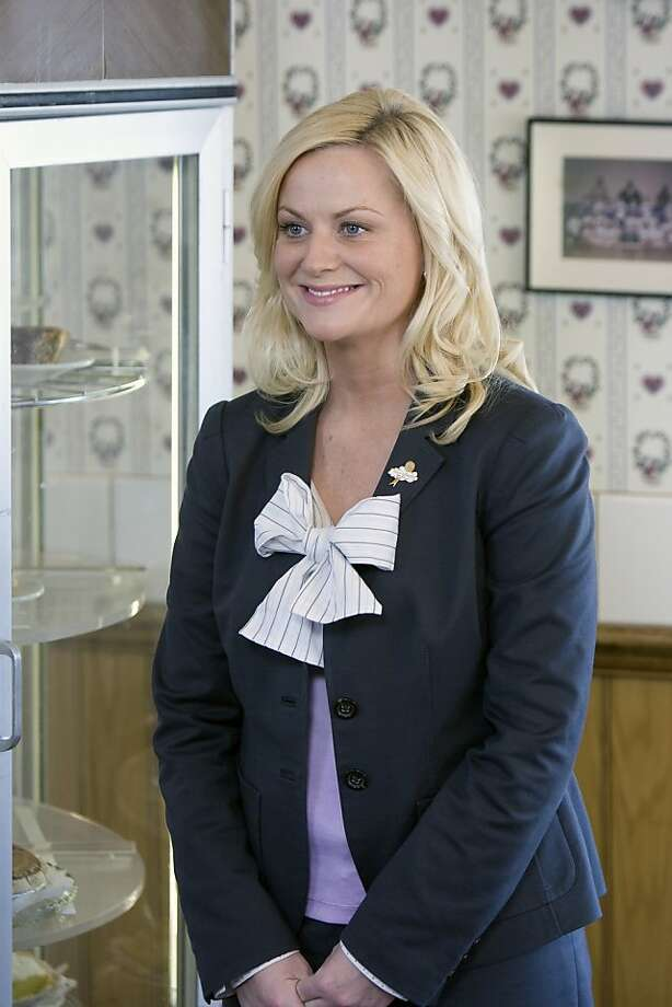 Ran on: 12-16-2009 Amy Poehler is Leslie in &quo;Parks and Rec.&quo;  Ran on: 06-14-2010 Amy Poehler is Leslie Knope in &quo;Parks and Recreation,'' which made a surprising comeback. Photo: Paul Drinkwater, NBC