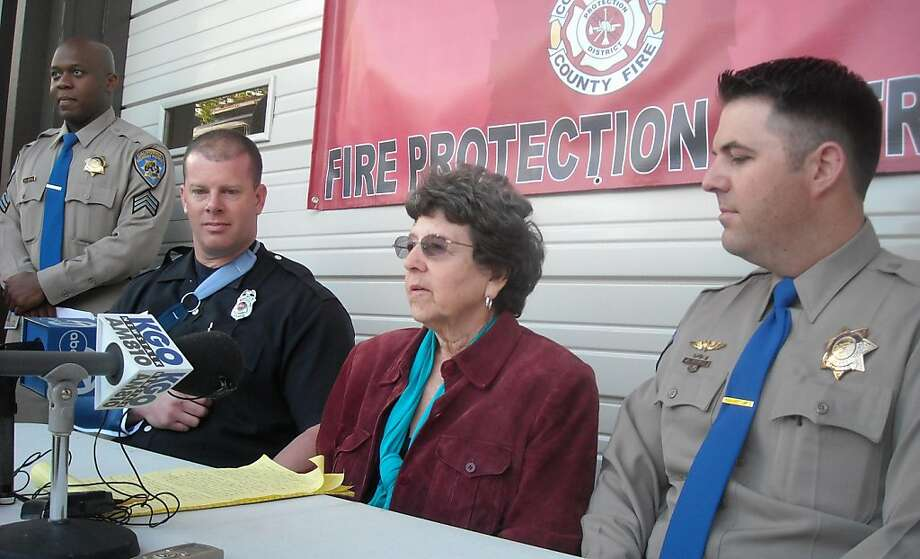 From the left, Dave Manzeck, Janet Hogan and CHP helicopter pilot Jason Hertzell. Photo: Henry K. Lee, The Chronicle