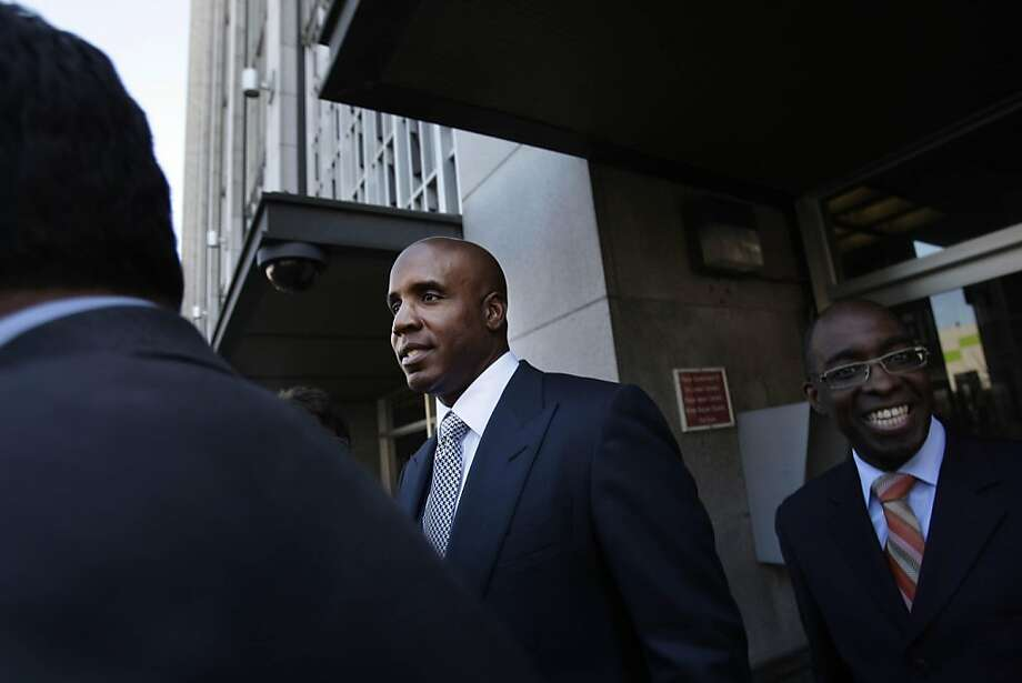 Barry Bonds leaves the Philip Burton Federal Building and Court House on Thursday, August 25, 2011 in San Francisco, Calif. Photo: Lea Suzuki, The Chronicle